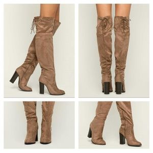 Shoes - 💜Taupe/Khaki Boots (Size 10)